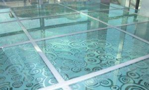 плитка из стекла