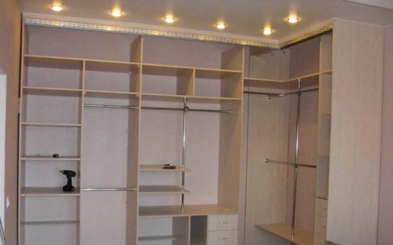 Угловой шкаф 7