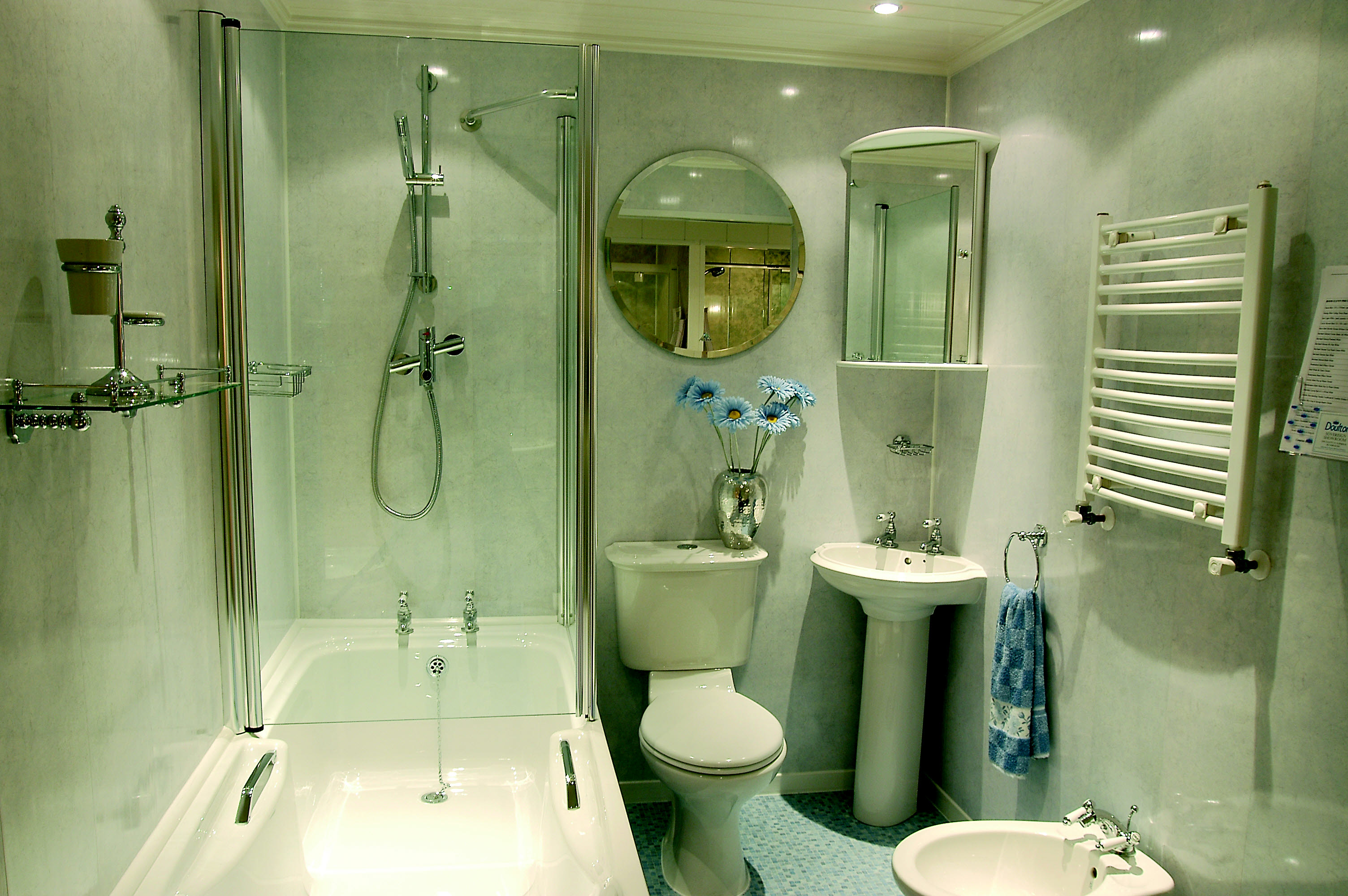 Фото дизайн ванной из пластика
