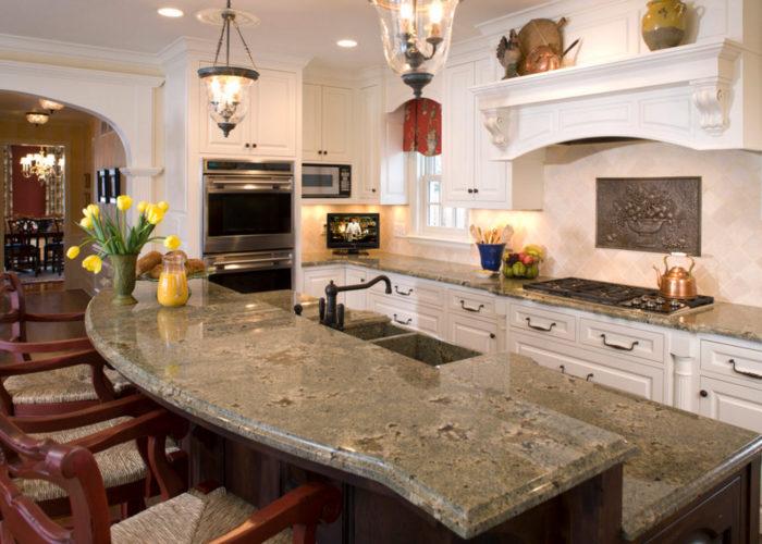 Барная стойка для кухни из камня