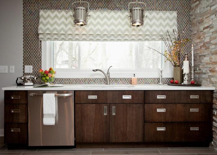 Популярные модели штор для кухни