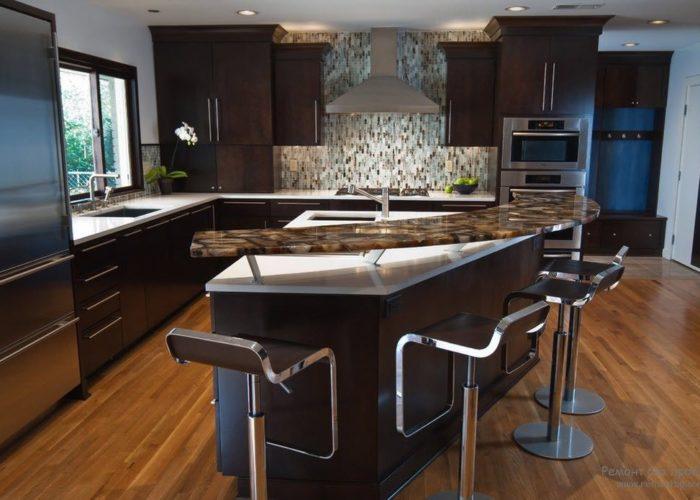 Барная стойка для кухни из металла