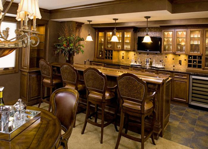 Барная стойка для кухни в классическом стиле